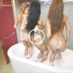 Drei knackige Ärsche zusammen im Schaumbad
